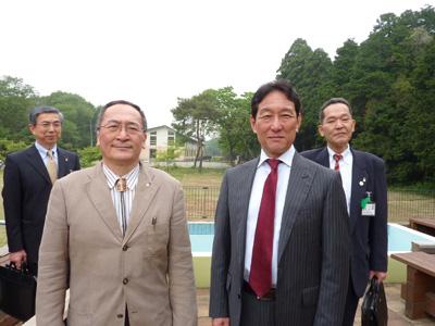 Mayor of Tsukuba, Mr. Kenichi Ichihara, visiting Tsukuba International School